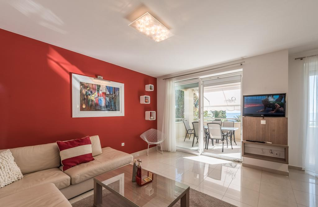 badeferien-kroatien-dalmatien-novalja-apartments-villa-maelise-03