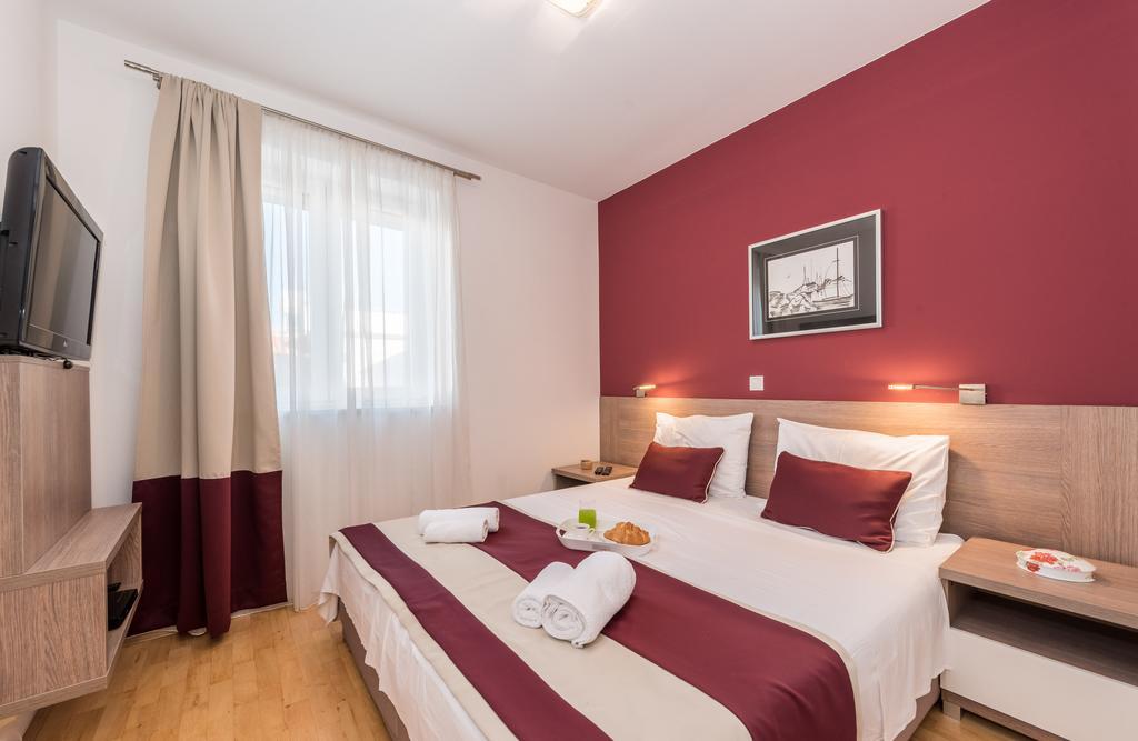 badeferien-kroatien-dalmatien-novalja-apartments-villa-maelise-04