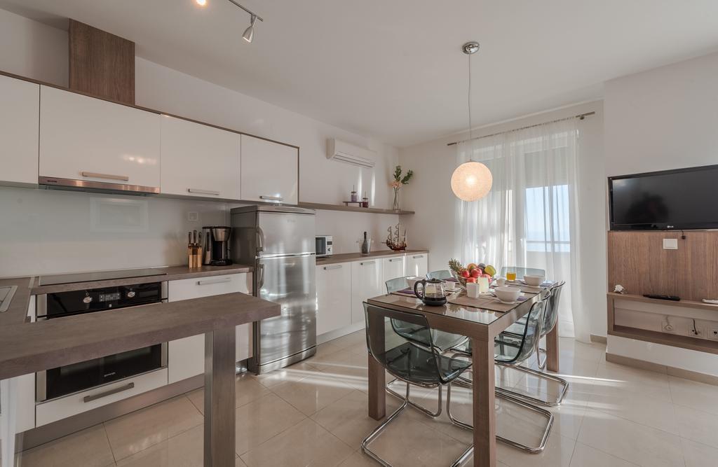 badeferien-kroatien-dalmatien-novalja-apartments-villa-maelise-06