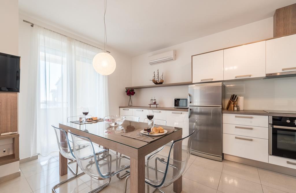 badeferien-kroatien-dalmatien-novalja-apartments-villa-maelise-11