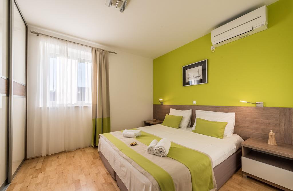 badeferien-kroatien-dalmatien-novalja-apartments-villa-maelise-13
