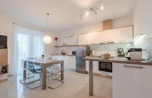 badeferien-kroatien-dalmatien-novalja-apartments-villa-maelise-15