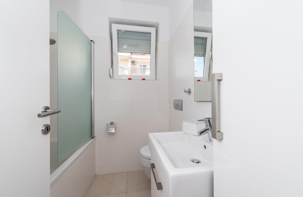 badeferien-kroatien-dalmatien-novalja-apartments-villa-maelise-17